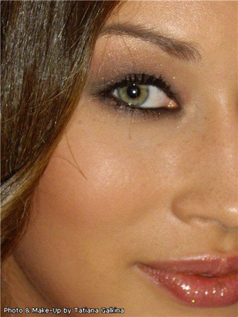 Бесконтактный + контактный макияж.